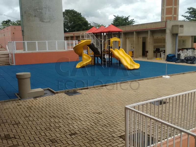 Piso Parque Infantil Externo drenante permeável playground