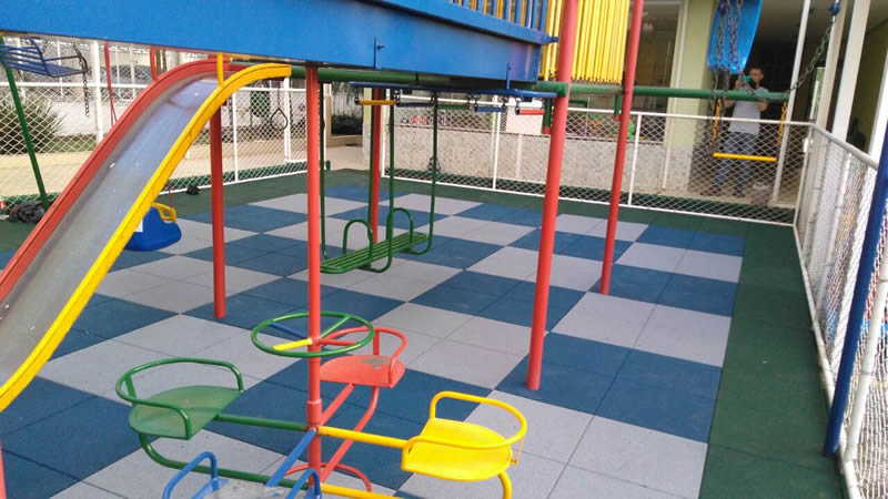 Piso Playground 25 mm emborrachado area externa