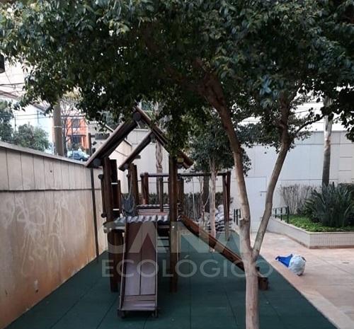 piso playground predio