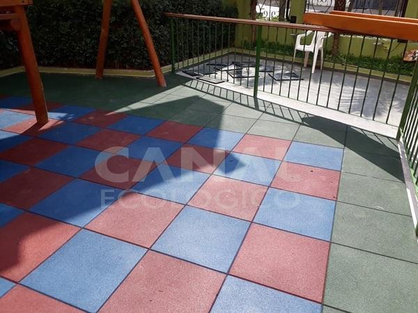piso playground restaurante