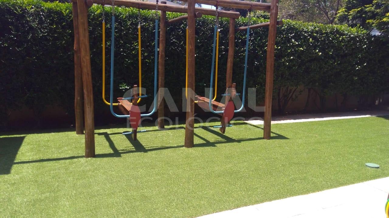 Piso de borracha Playground com grama sint�tica