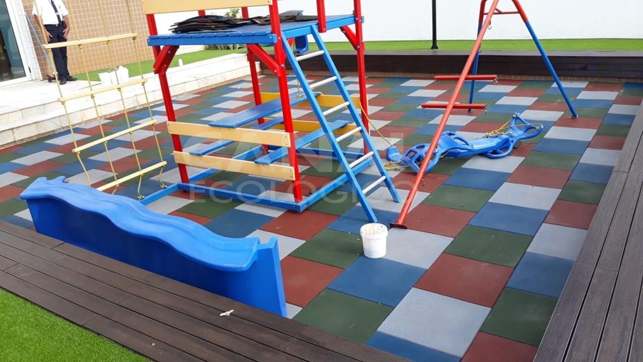 Piso de Playground em Condom�nio 11mm